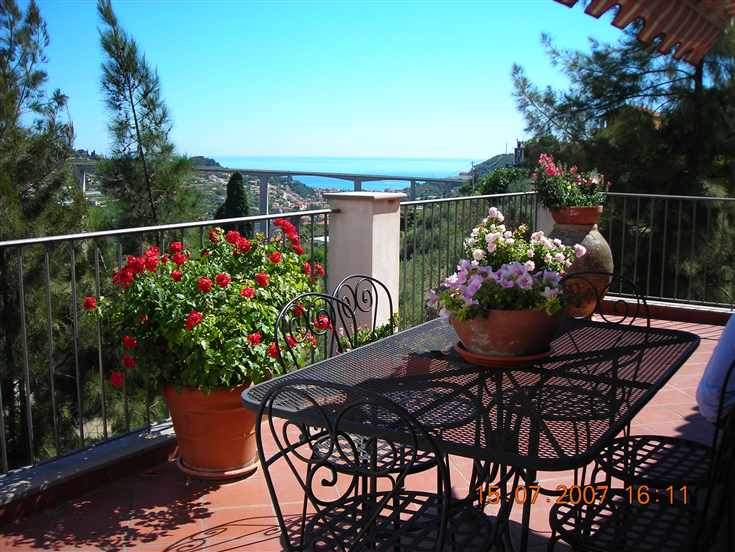 Villa in vendita a Vallebona, 6 locali, prezzo € 670.000 | CambioCasa.it