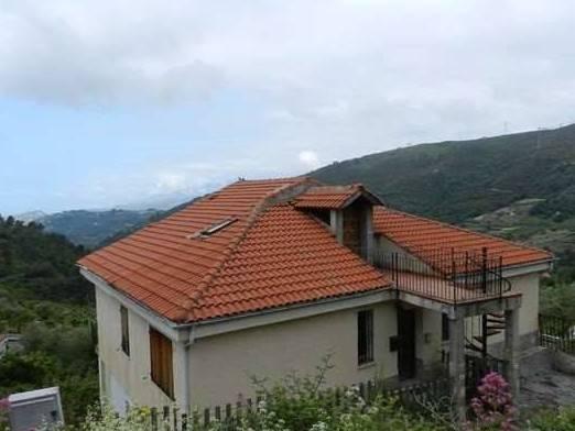 Villa Bifamiliare in vendita a Seborga, 16 locali, prezzo € 450.000 | CambioCasa.it