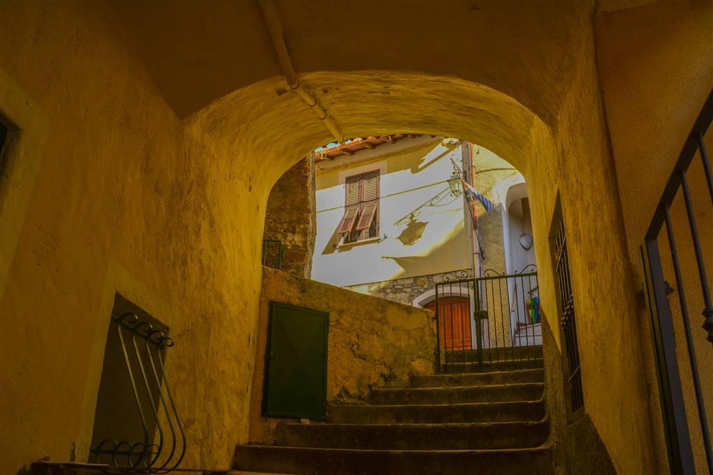 Appartamento in vendita a Seborga, 4 locali, prezzo € 145.000 | CambioCasa.it