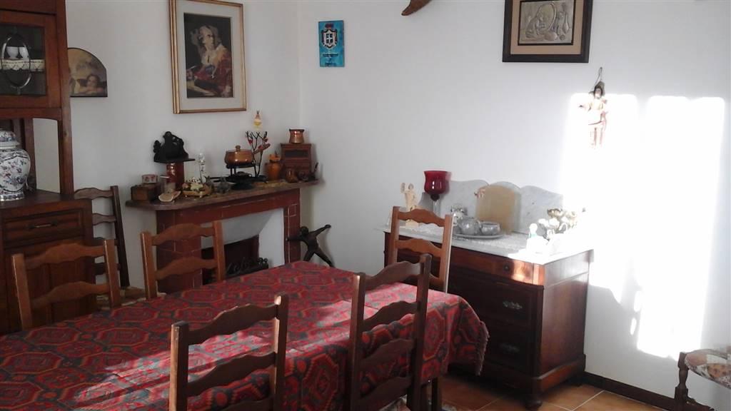 Soluzione Semindipendente in vendita a Seborga, 7 locali, Trattative riservate   CambioCasa.it