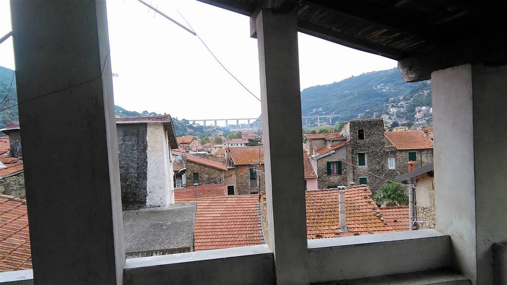 Appartamento in vendita a Camporosso, 4 locali, prezzo € 79.000 | CambioCasa.it