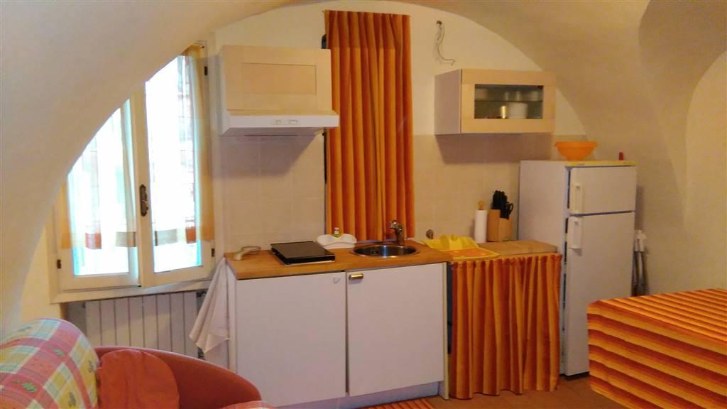 Appartamento in vendita a Dolceacqua, 2 locali, prezzo € 85.000 | CambioCasa.it