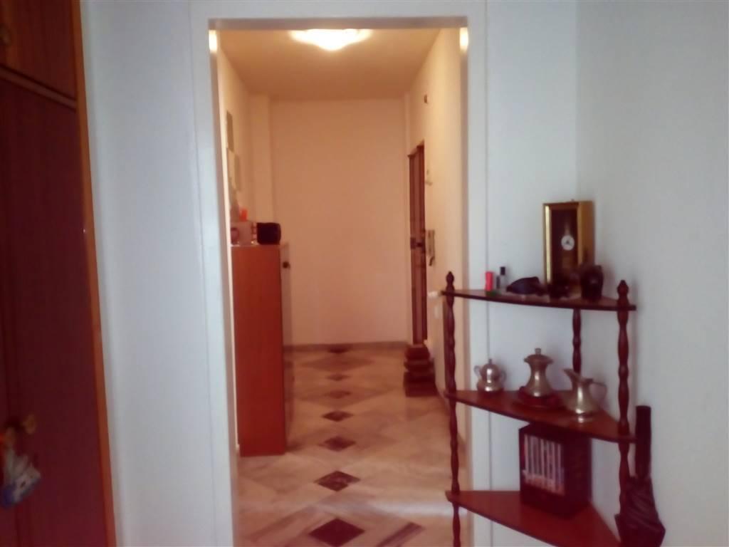 Appartamento in vendita a Vallecrosia, 4 locali, prezzo € 250.000 | CambioCasa.it