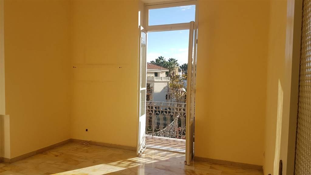Appartamento in affitto a Bordighera, 3 locali, prezzo € 600   CambioCasa.it