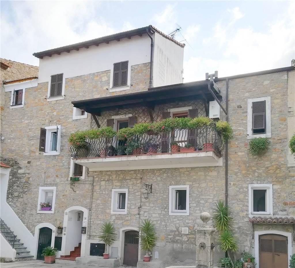 Appartamento in vendita a Seborga, 7 locali, prezzo € 580.000 | CambioCasa.it
