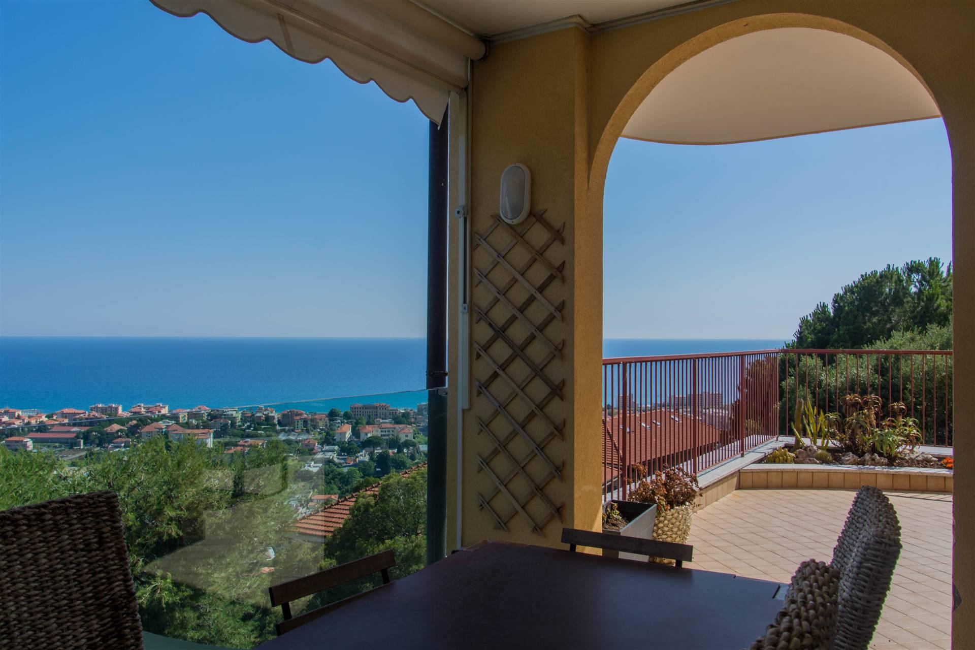 Appartamento in vendita a Bordighera, 5 locali, Trattative riservate   CambioCasa.it
