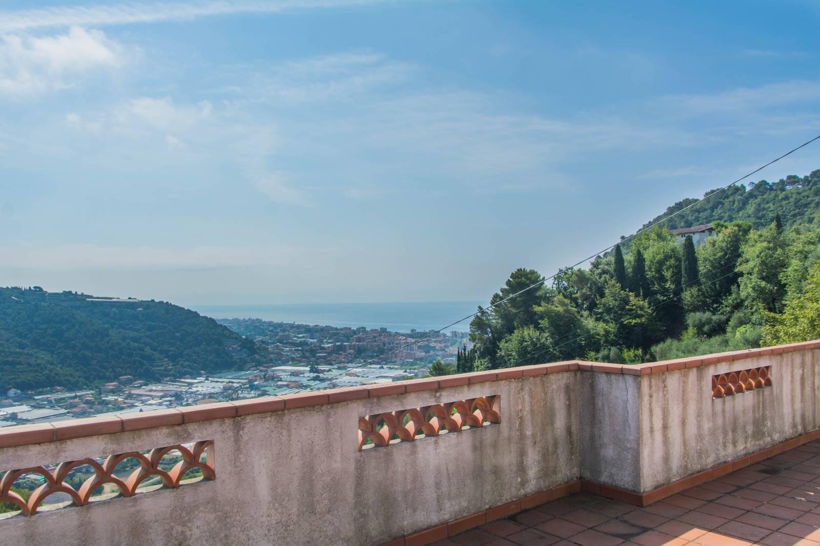 Villa in vendita a Camporosso, 9 locali, zona Giacomo, Trattative riservate | PortaleAgenzieImmobiliari.it