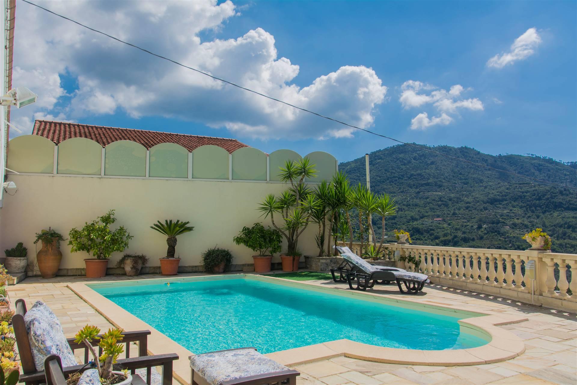 Villa in vendita a Perinaldo, 12 locali, prezzo € 850.000 | CambioCasa.it