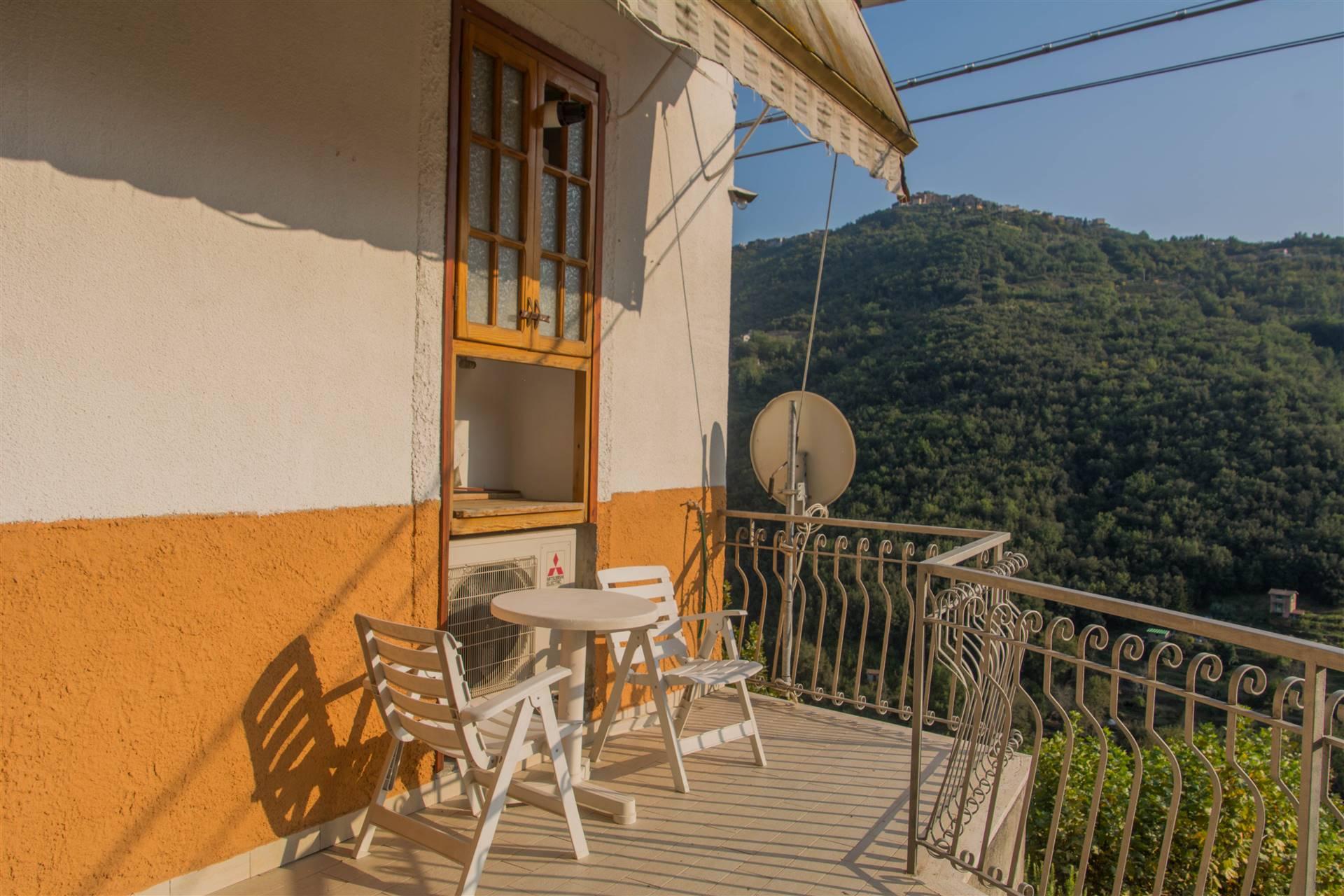 Appartamento in vendita a Apricale, 3 locali, prezzo € 190.000 | PortaleAgenzieImmobiliari.it