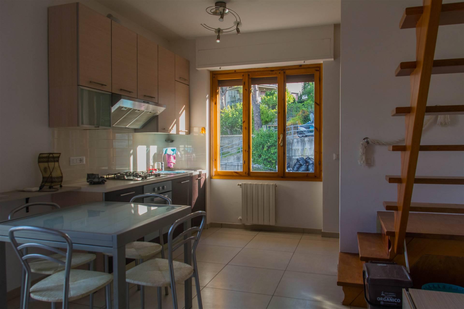 Appartamento in vendita a Bordighera, 3 locali, prezzo € 150.000   CambioCasa.it