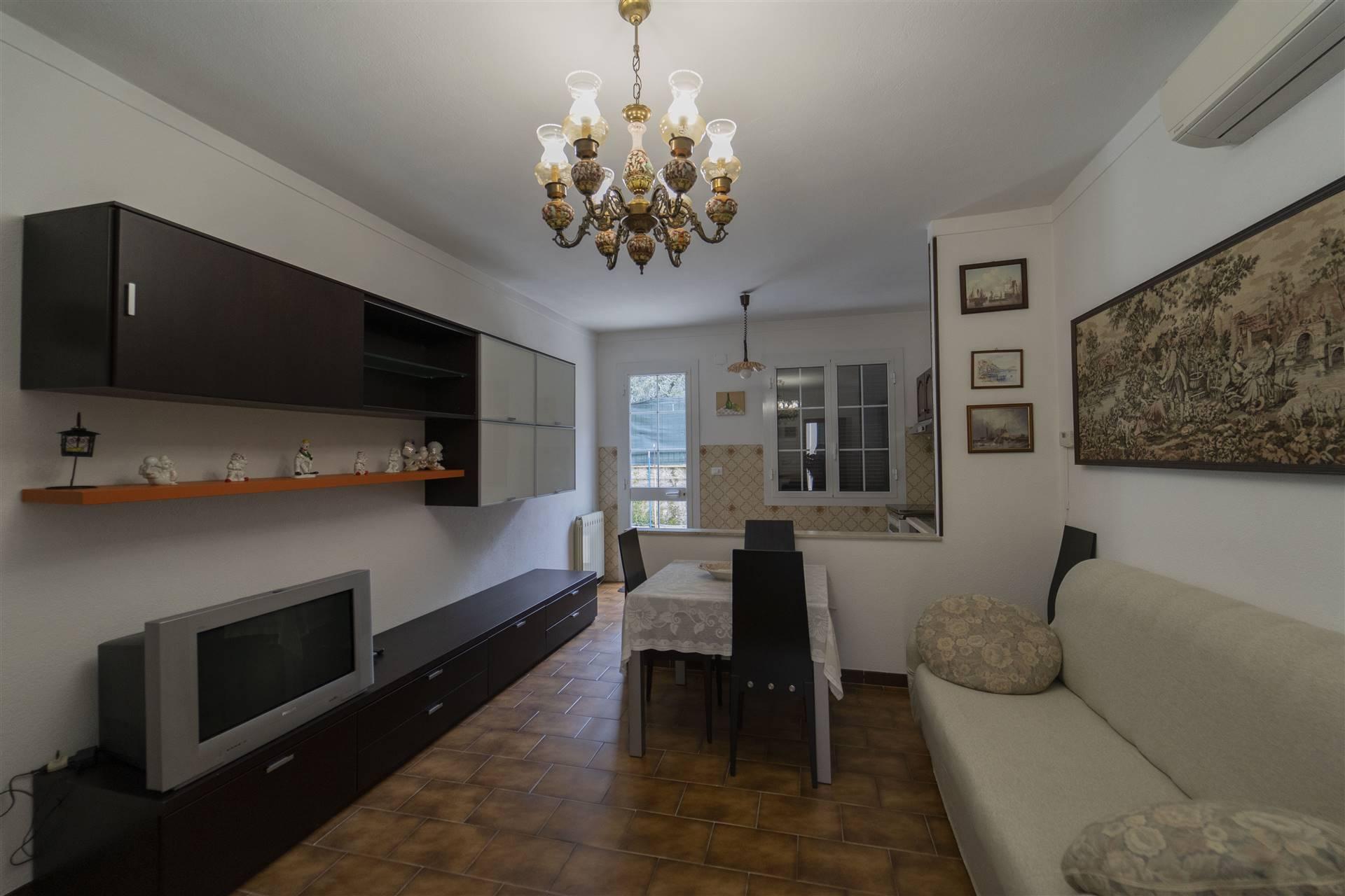 Villa Bifamiliare in vendita a Airole, 11 locali, prezzo € 430.000   PortaleAgenzieImmobiliari.it