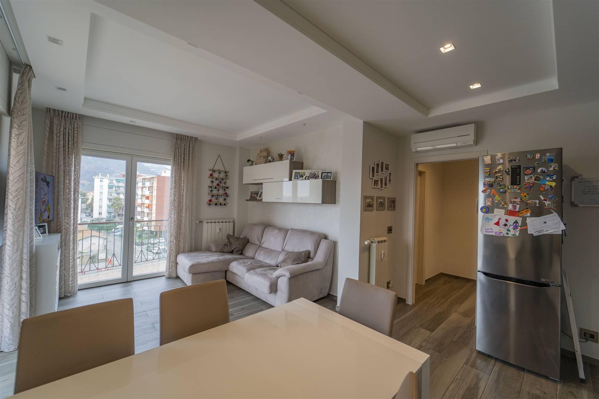 Appartamento in vendita a Vallecrosia, 4 locali, prezzo € 265.000   PortaleAgenzieImmobiliari.it