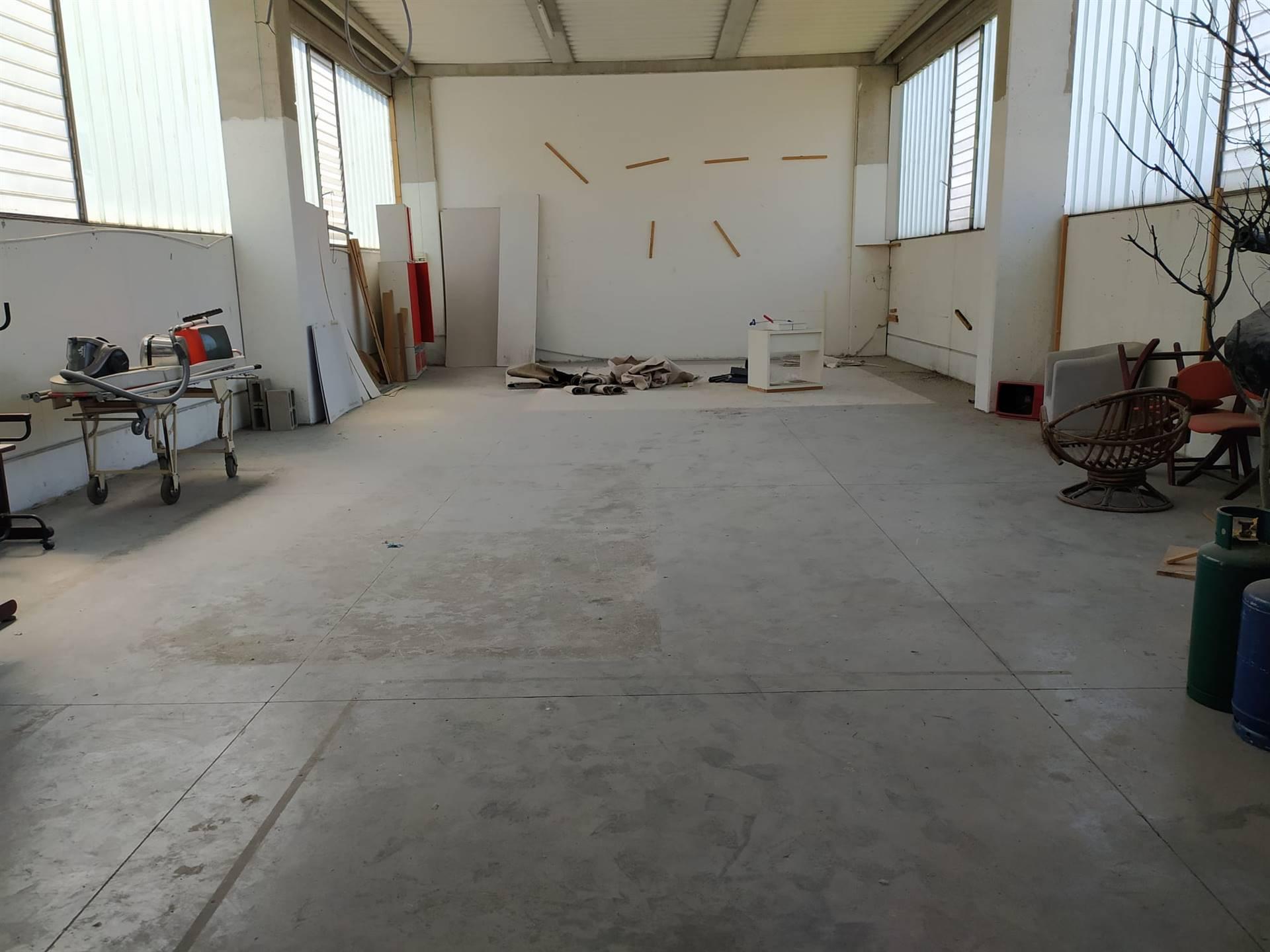 Capannone in vendita a Ventimiglia, 4 locali, zona rino, prezzo € 200.000 | PortaleAgenzieImmobiliari.it