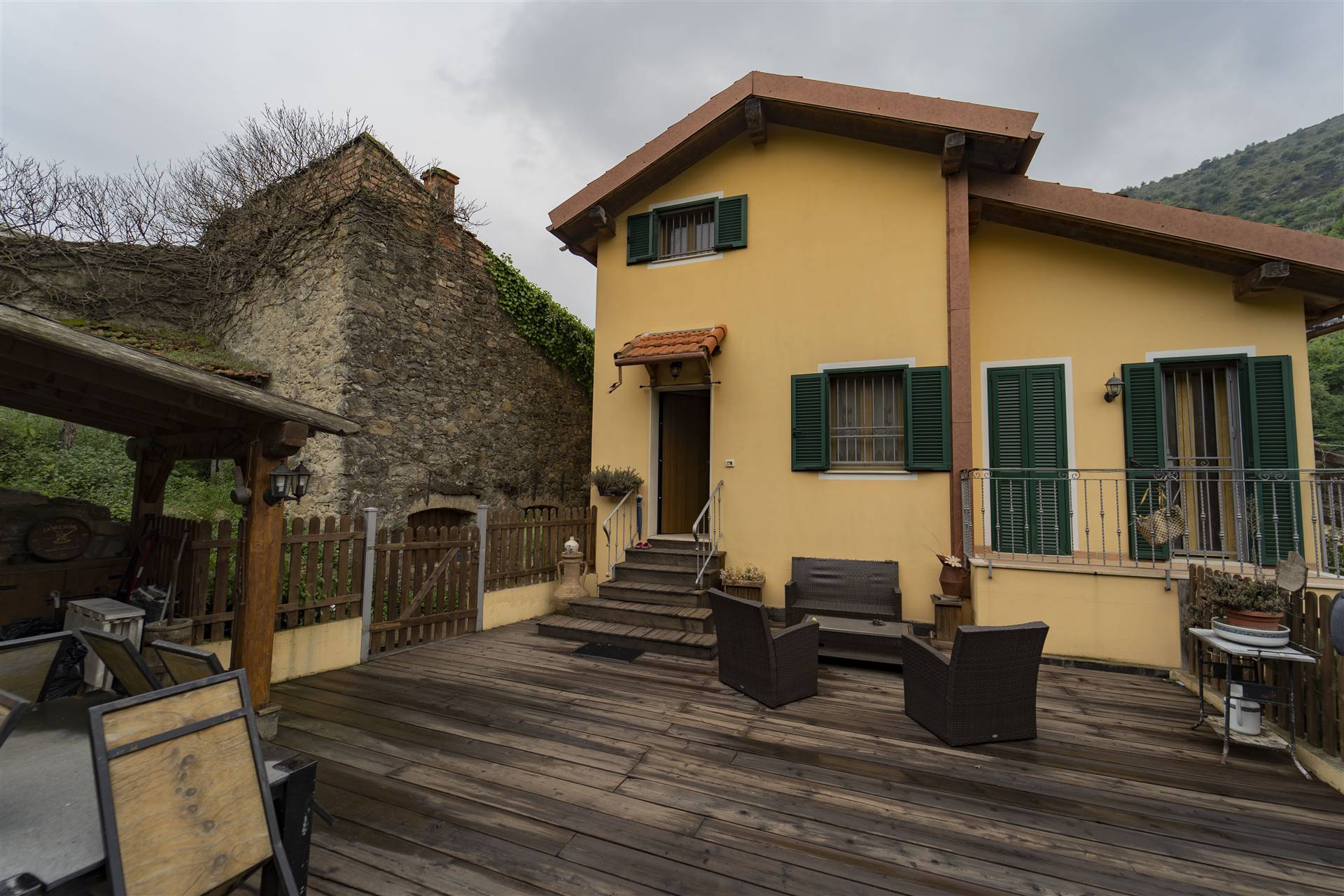 Villa in vendita a Vallecrosia, 5 locali, prezzo € 299.000   PortaleAgenzieImmobiliari.it