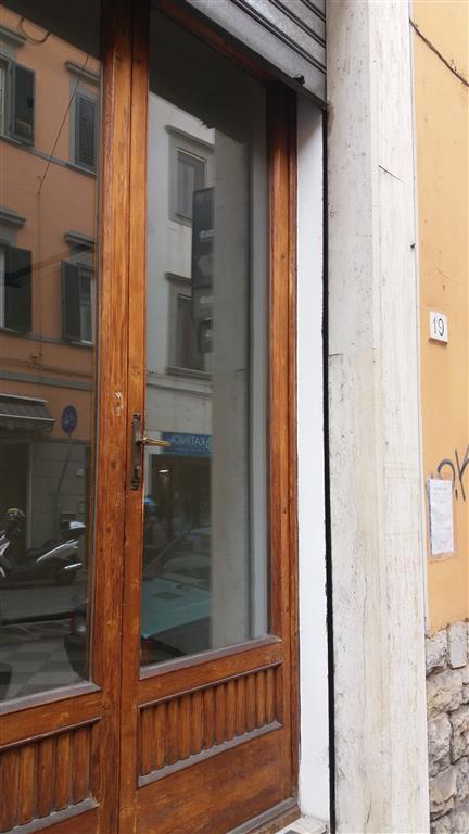 Negozio, Pisa