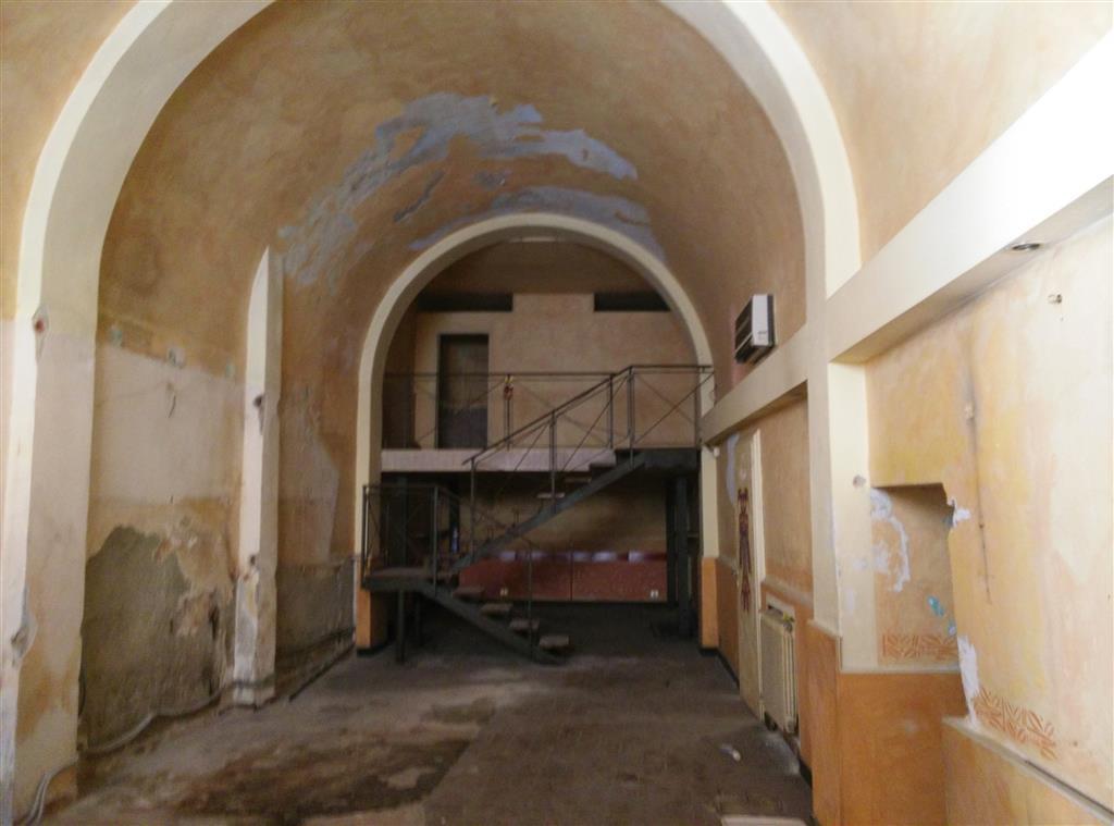 Locale commerciale, Quartiere San Francesco, Pisa, da ristrutturare