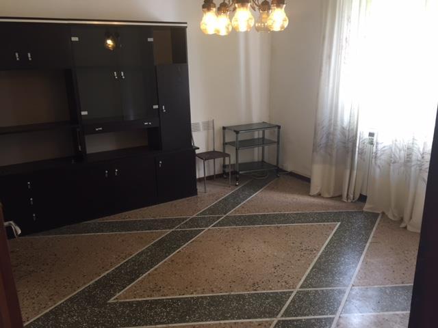 Villa, C. Storico,porta a Lucca, Pisa, abitabile