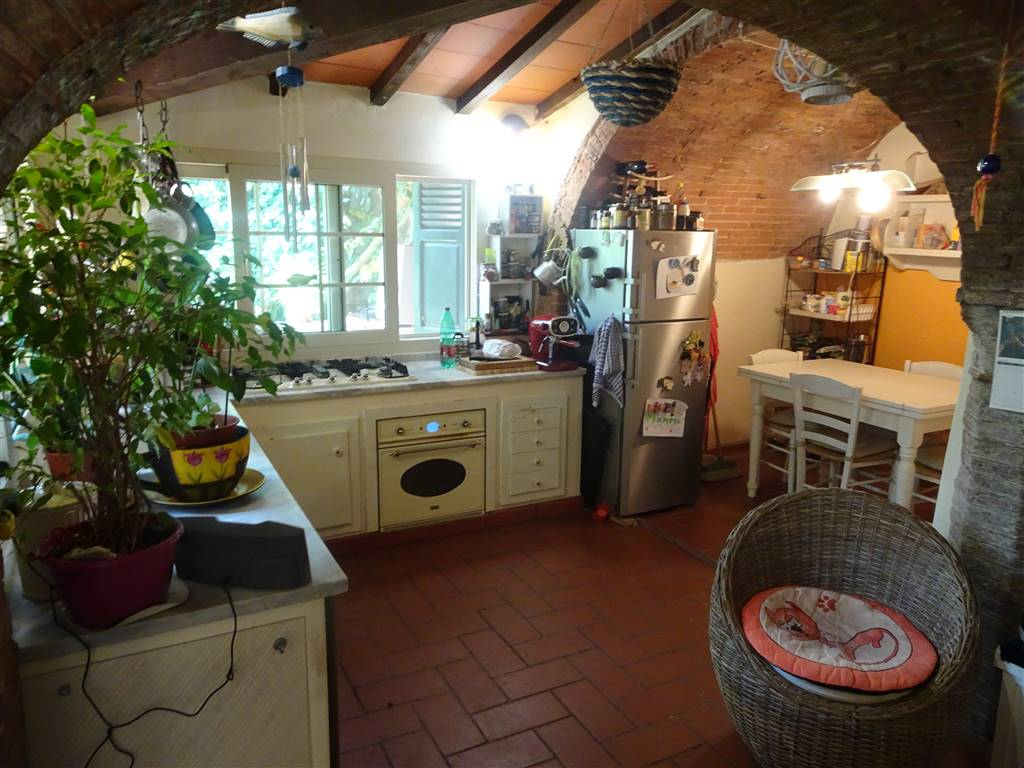 Casa singola, Uliveto Terme, Vicopisano, ristrutturata