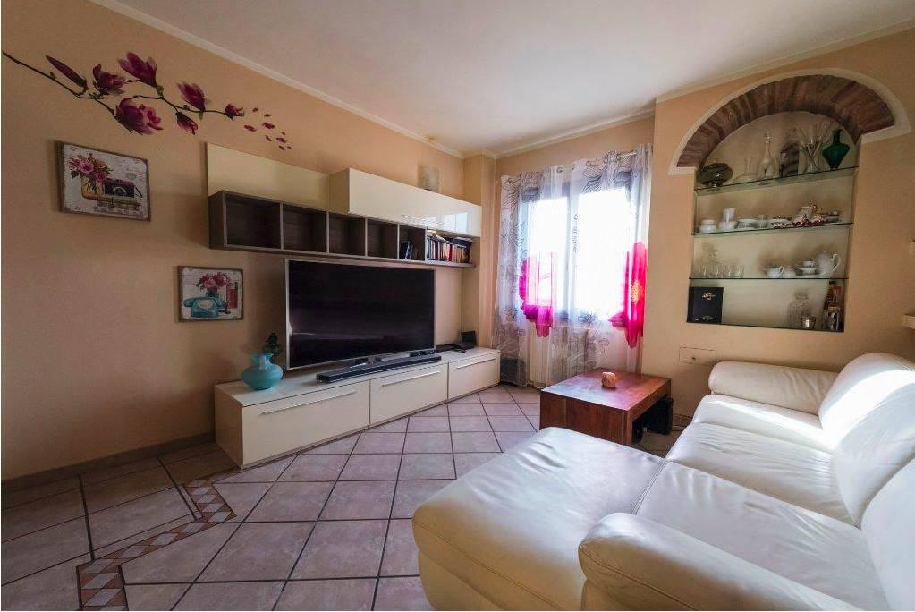 Appartamento in vendita a Calcinaia, 4 locali, prezzo € 125.000 | PortaleAgenzieImmobiliari.it