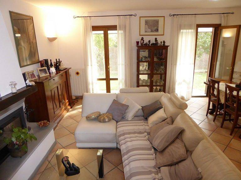 Villa a schiera, San Lorenzo Alle Corti, Cascina, in ottime condizioni