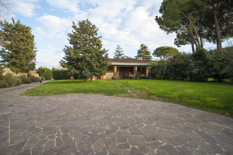 TITIGNANO, CASCINA, Duplex villa for sale of 400 Sq. mt., Excellent Condition, Heating Individual heating system, Energetic class: G, placed at
