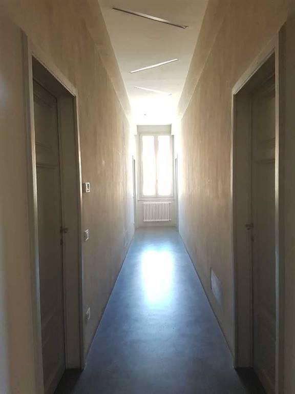 INGEGNERIA, PISA, Квартира независимый на продажу из 150 Км, Отличное, Отопление Независимое, Класс энергосбережения: G, на земле Цокольный, состоит