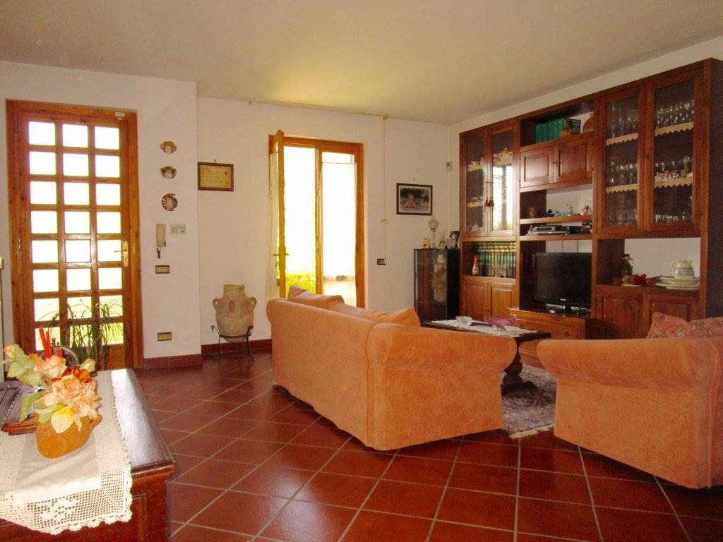 LA GABELLA, CALCI, Terraced house for sale of 230 Sq. mt., Excellent Condition, Heating Individual heating system, Energetic class: G, Epi: 2 kwh/m2