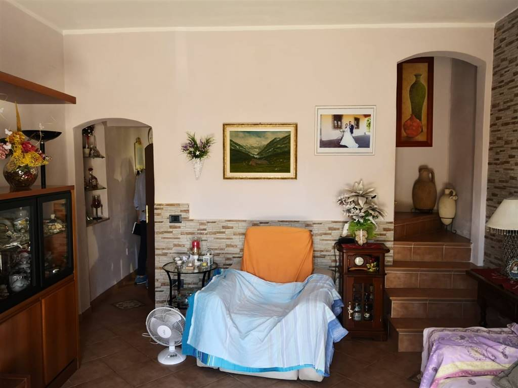 CASCIAVOLA, CASCINA, terraced house for sale of 120 Sq. mt., Heating Individual heating system, Energetic class: G, placed at Ground on 3, composed