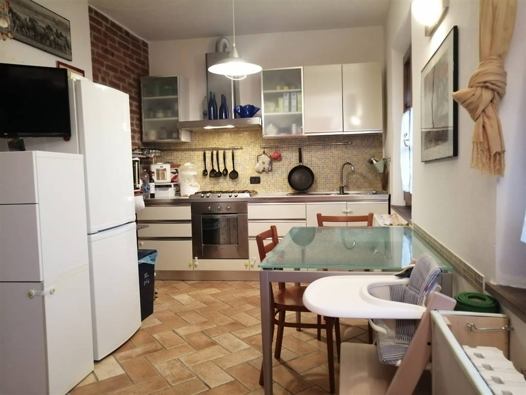 LA CORTE, CALCI, Apartment for sale of 40 Sq. mt., Restored, Heating Individual heating system, Energetic class: G, Epi: 2 kwh/m2 year, placed at 2°