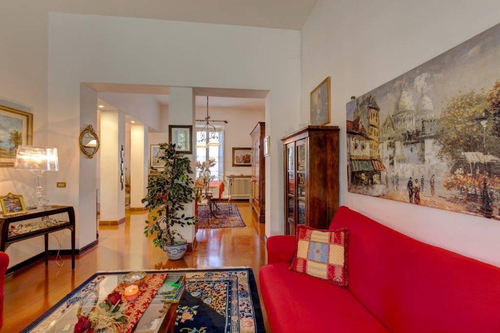 PORTA FIORENTINA, PISA, Многоэтажный дом на продажу из 220 Км, Класс энергосбережения: G, Epi: 470,4 kwh/m2 год, состоит из: 9 Помещения, 5 Комнаты,