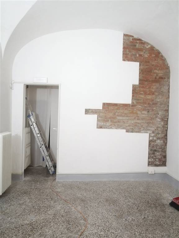SANTA MARIA, PISA, Office for rent of 80 Sq. mt., Heating Individual heating system, Energetic class: G, Epi: 2 kwh/m3 year, placed at Raised on 2,