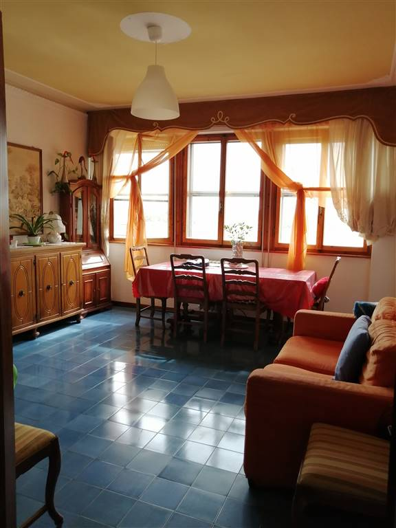 CASCINA, Apartment for sale of 95 Sq. mt., Habitable, Heating Individual heating system, Energetic class: G, Epi: 2 kwh/m2 year, placed at 2° on 6,