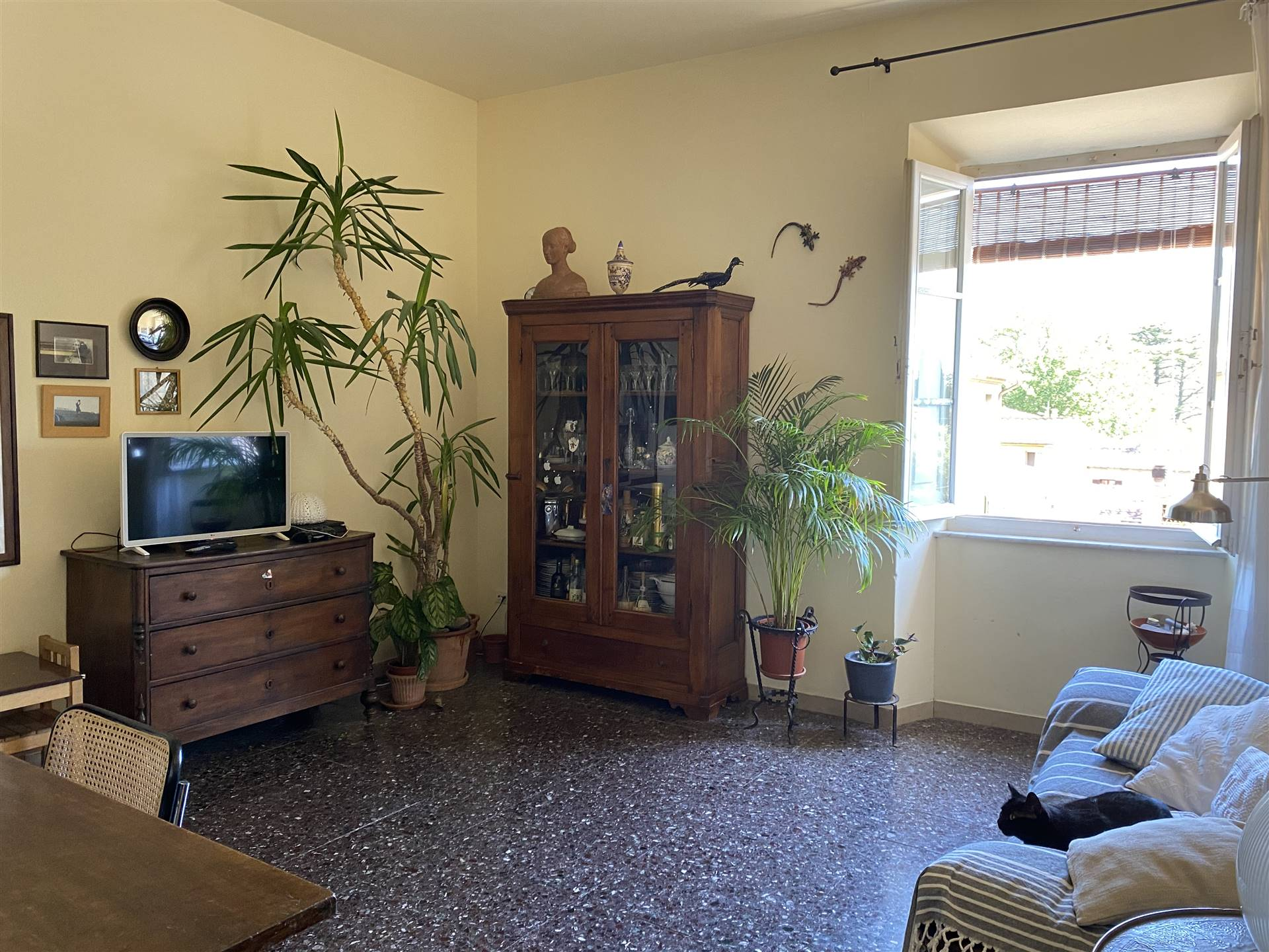 CASTEL MAGGIORE, CALCI, Apartment for sale of 100 Sq. mt., Good condition, Heating Individual heating system, Energetic class: G, placed at 2°,