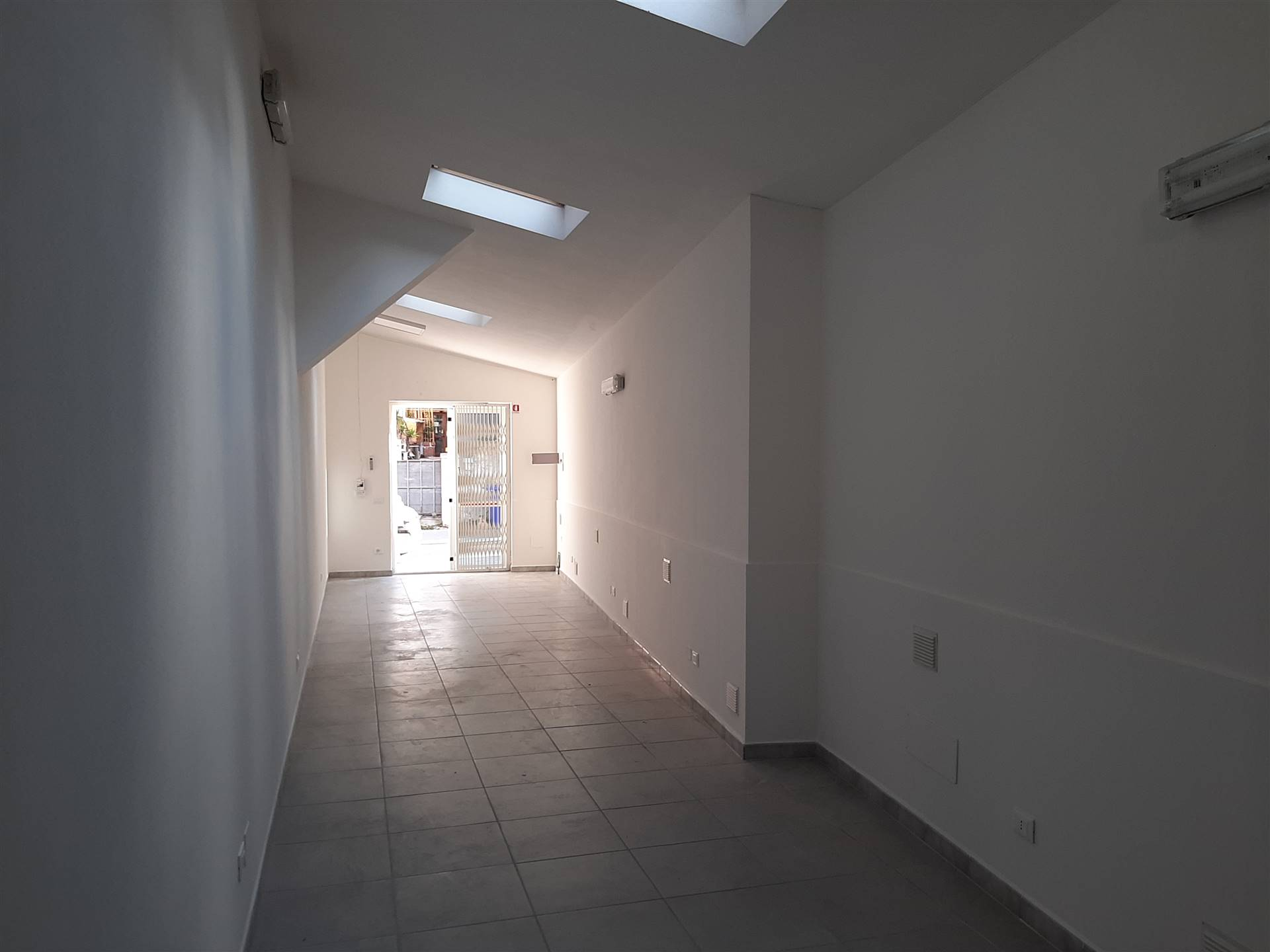 ASCIANO, SAN GIULIANO TERME, Office for rent of 85 Sq. mt., Energetic class: G, Epi: 6,8 kwh/m3 year, composed by: 2 Rooms, 1 Bathroom, Price: € 500