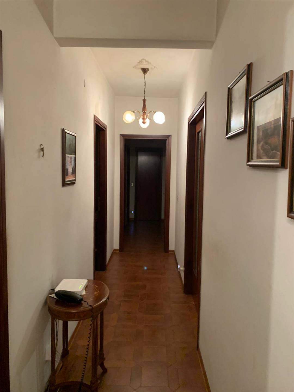 VIA LANDI, PISA, Квартира на продажу из 115 Км, Класс энергосбережения: G, Epi: 6,8 kwh/m2 год, на земле 4° на 5, состоит из: 5 Помещения, Отдельная