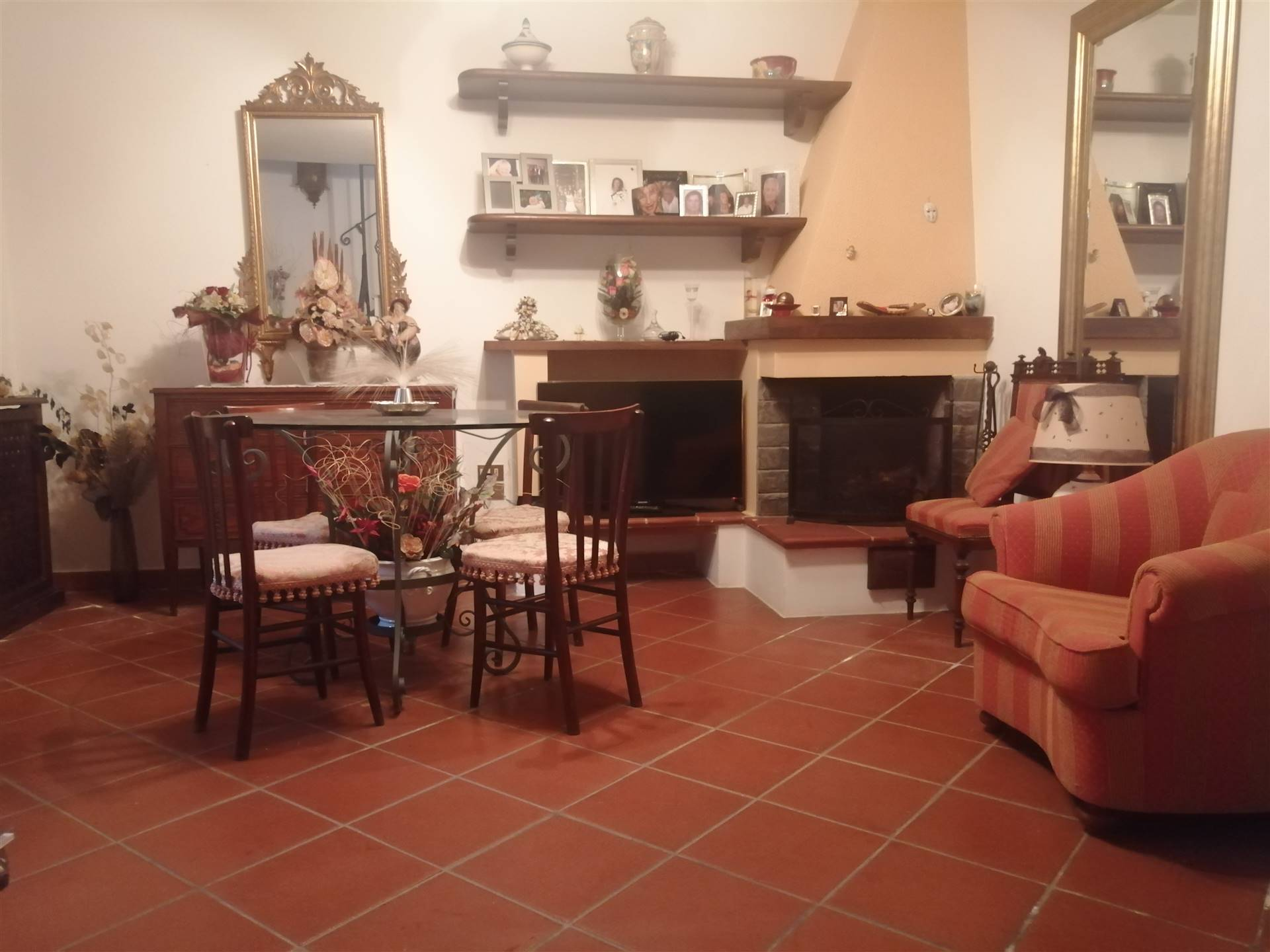 SAN GIULIANO TERME, Duplex villa for sale of 170 Sq. mt., Excellent Condition, Heating Individual heating system, Energetic class: G, Epi: 2 kwh/m2
