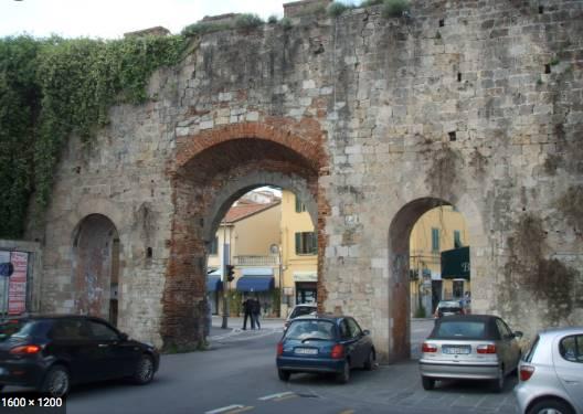 1301MMCOL PRIMISSIMA PERIFERIA Ottima posizione di fondo commerciale di circa 70 mq con bagno. ZONA DI ALTO PASSAGGIO PEDONALE E CARRABILE.....
