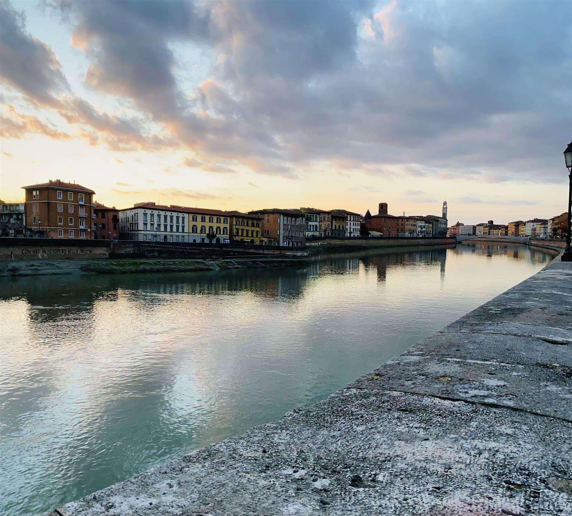 RIFERIMENTO 73CD CENTRO STORICO: Nel cuore di Pisa, a due minuti dagli splendidi Lungarni, inserito in un contesto signorile d'epoca storica,