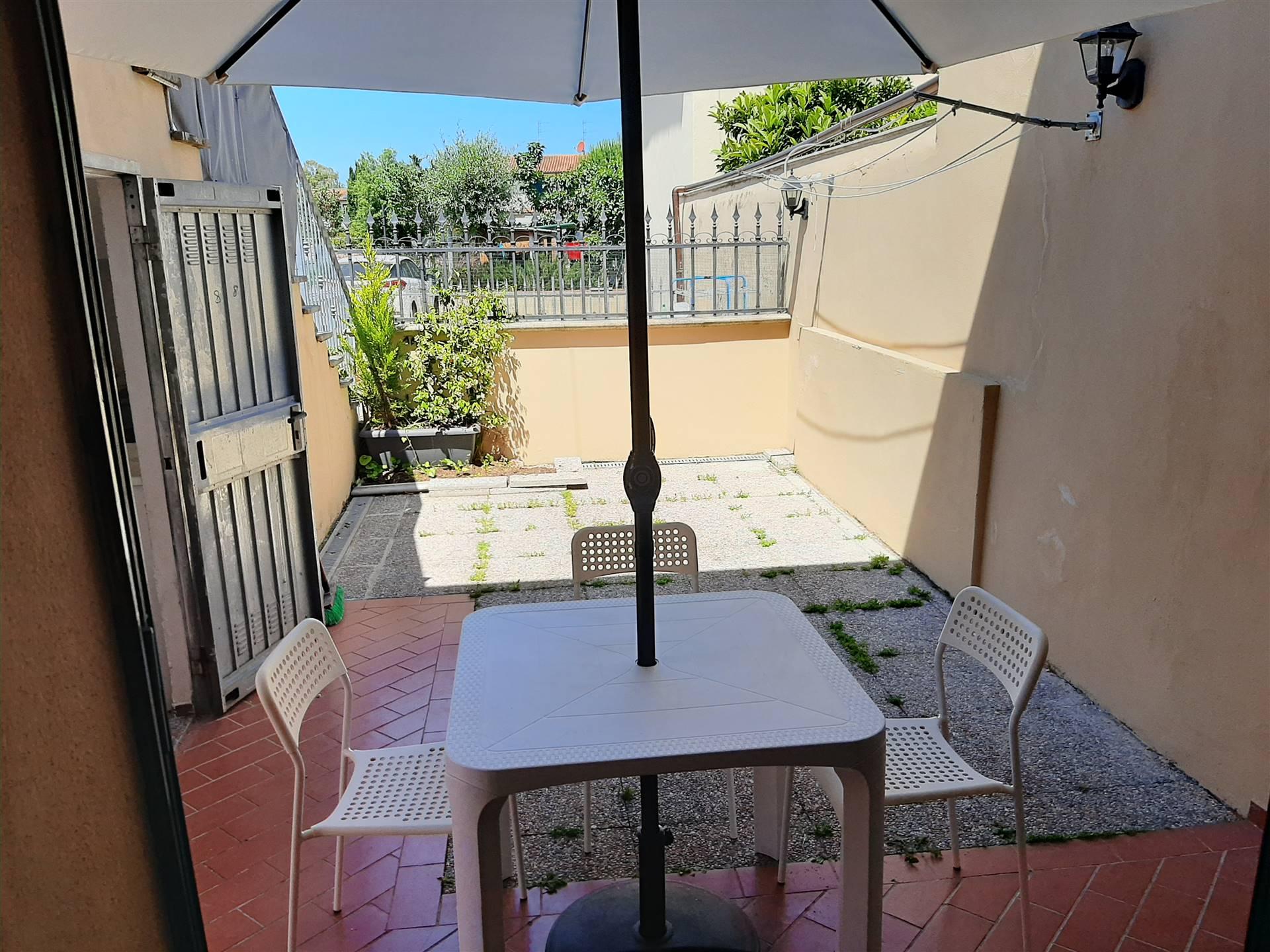 Riferimento E2501GA - GHEZZANO - Affittasi appartamento arredato nuovo con ingresso indipendente posto al piano terra, con giardino pavimentato