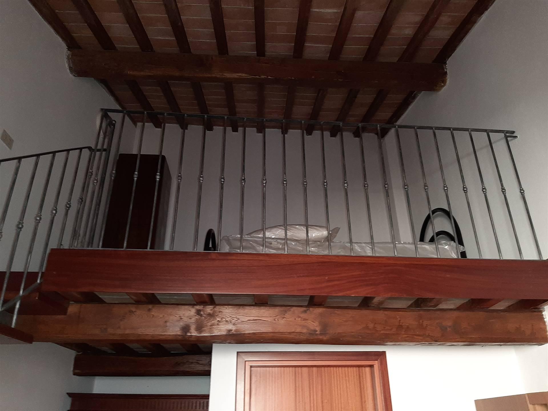 Riferimento 2103GA Pisa in San Martino luminoso e grazioso monolocale con camera in soppalcato .Posto al secondo piano senza ascensore l'immobile si
