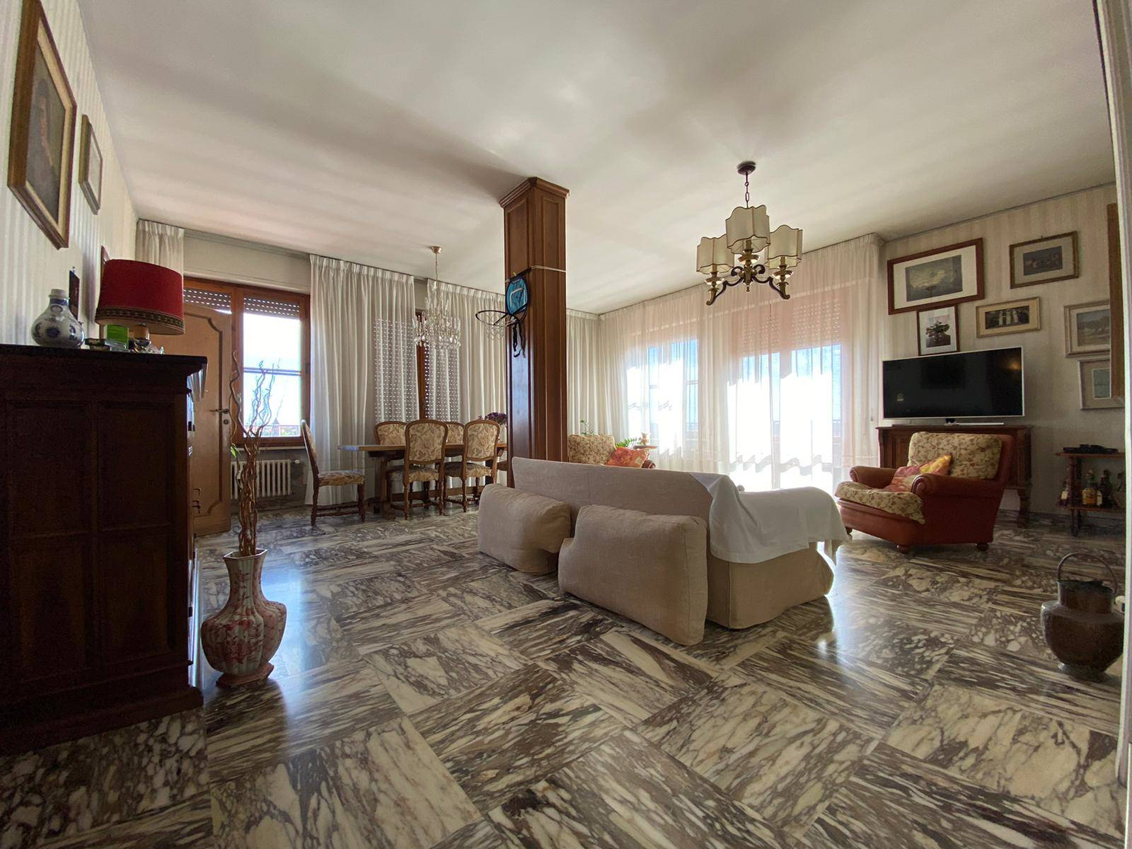 Attico / Mansarda in vendita a Pisa, 6 locali, zona a a Lucca, Trattative riservate | PortaleAgenzieImmobiliari.it
