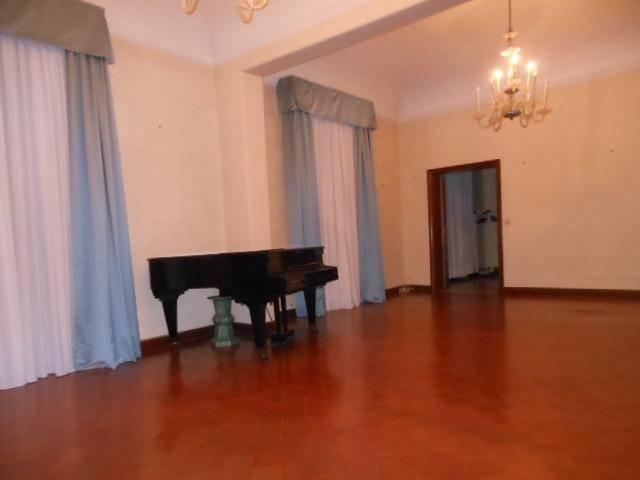 Riferimento 2605MMCOL Pisa - Santa Maria- disponibile da subito bellissimo luminoso appartamento posto al primo piano di piccolo signorile condominio,