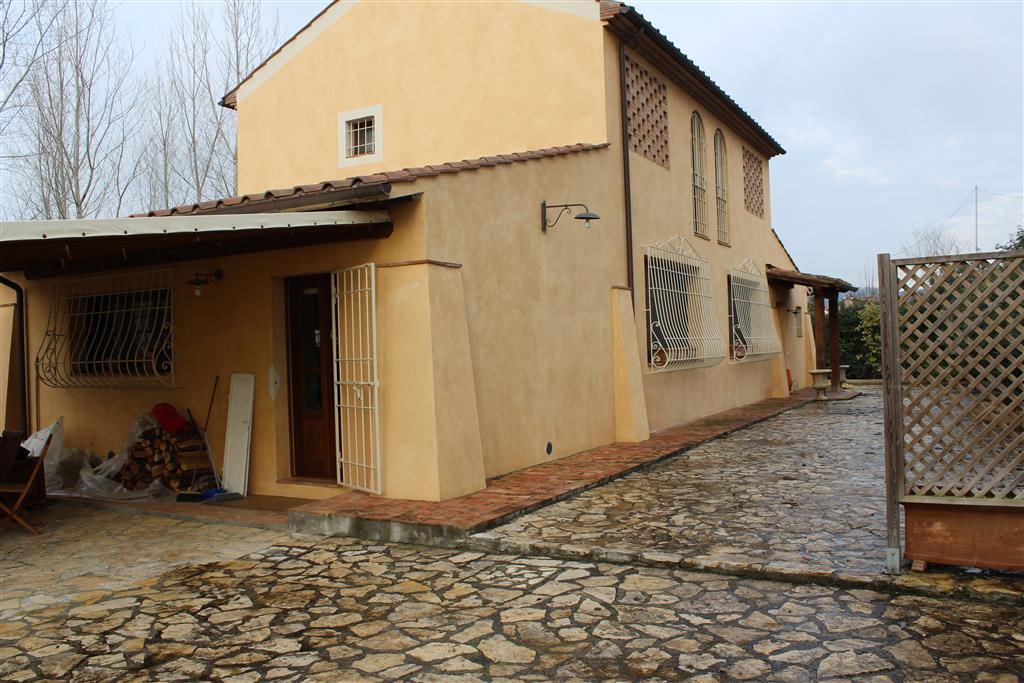 Rustico casale, Forcoli, Palaia, in ottime condizioni