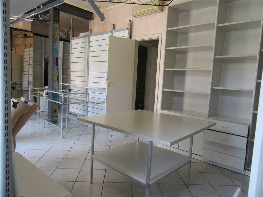 Locale commerciale, Riglione,oratoio, Pisa, in ottime condizioni