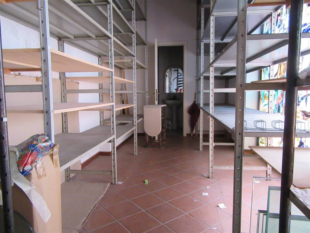 Locale commerciale, Centro Storico, Pisa, in ottime condizioni