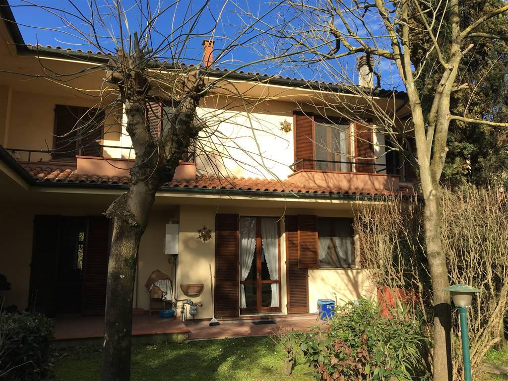 Villa a schiera, Pontedera