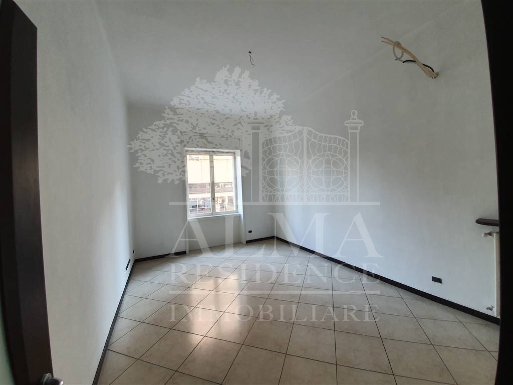 CENTRALE, BERGAMO, Office for rent of 135 Sq. mt., placed at 5°, composed by: , 1 Bathroom, Elevator, Cellar, Price: € 1,500