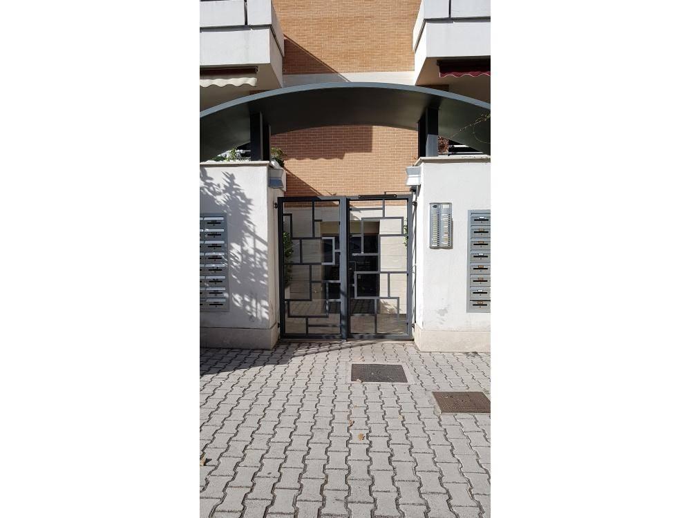 Appartamento in vendita a Roma, 2 locali, zona Zona: 12 . Cinecittà,Don Bosco, Lucrezia Romana, prezzo € 144.000 | CambioCasa.it