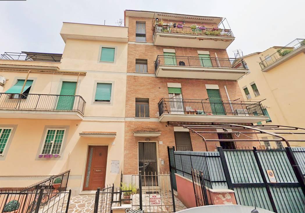 Appartamento in vendita a Roma, 2 locali, zona Zona: 42 . Cassia - Olgiata, prezzo € 76.000   CambioCasa.it