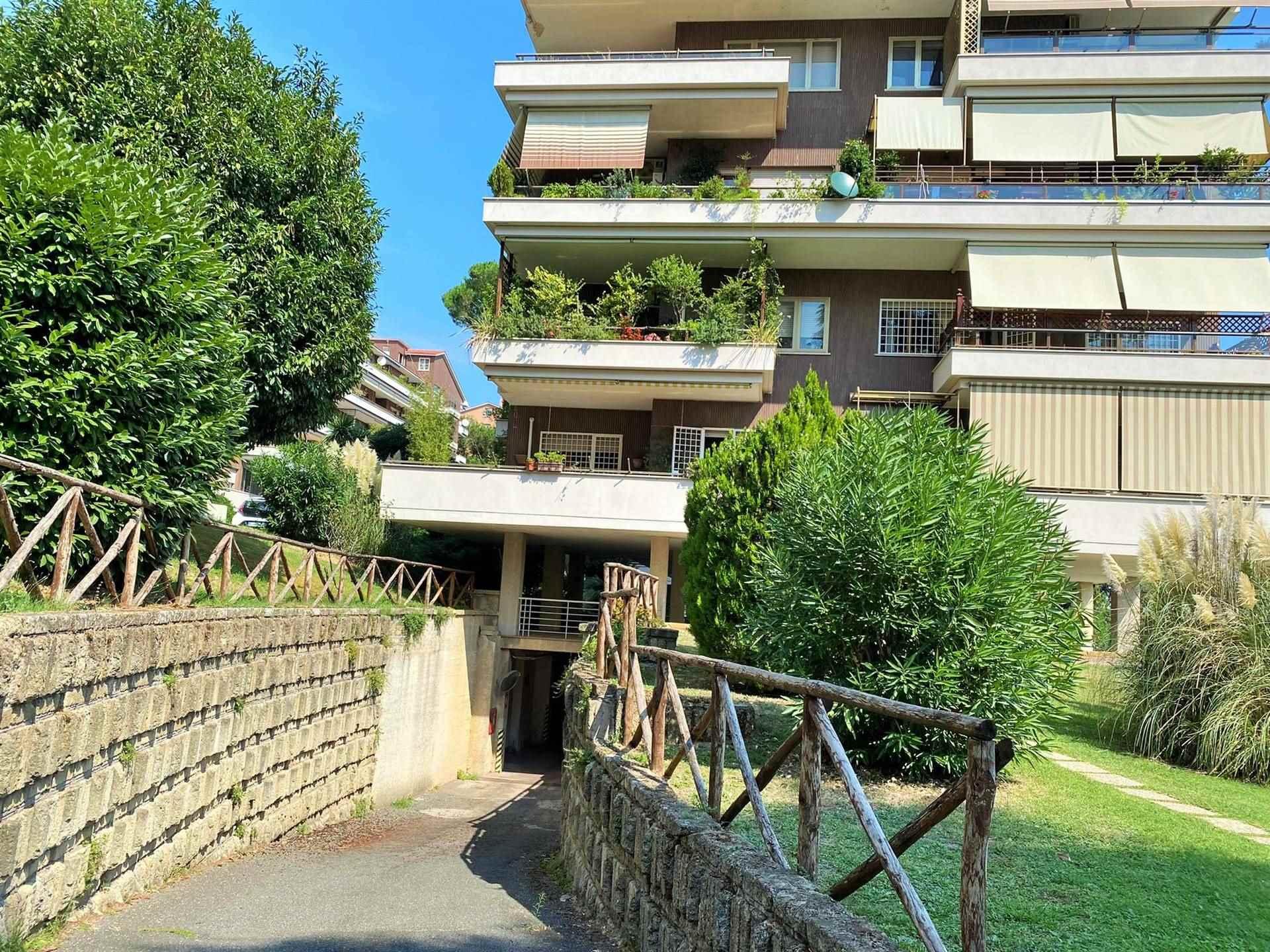 Box / Garage in vendita a Roma, 1 locali, zona Zona: 42 . Cassia - Olgiata, prezzo € 35.000   CambioCasa.it
